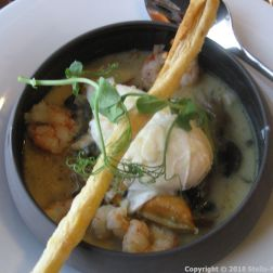 LE RESTAURANT, CAP FINISTERRE, POACHED EGG, WILD SHELLFISH AND PRAWNS, KARI GOSSE EMULSION 005