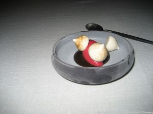ASK, PRE-DESSERT WITH CHICKPEA MERINGUES, LIQUORICE AND ICE CREAM 024
