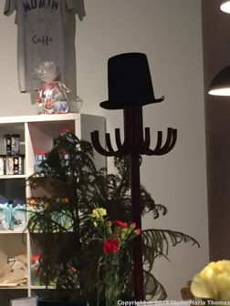 MUMIN CAFE, HAT STAND 007