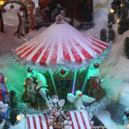 HELSINKI CHRISTMAS WINDOWS 003
