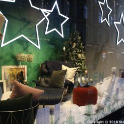 HELSINKI CHRISTMAS WINDOWS 004
