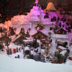 HELSINKI CHRISTMAS WINDOWS 013