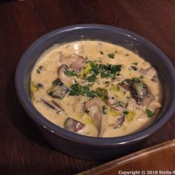 BAR ENCORE, WILD MUSHROOMS WITH GARLIC, CREAM AND A SHERRY REDUCTION 018