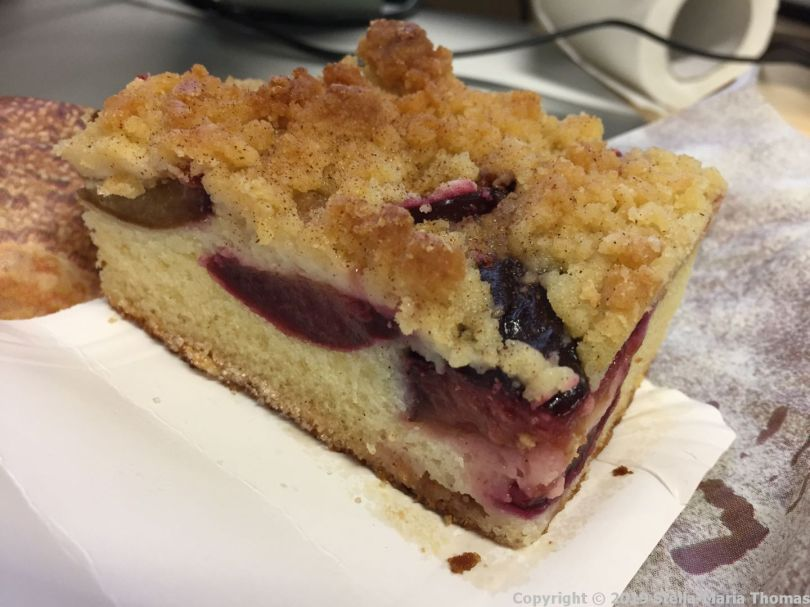 PLUM CAKE FROM THE GERMAN BAKERY 001