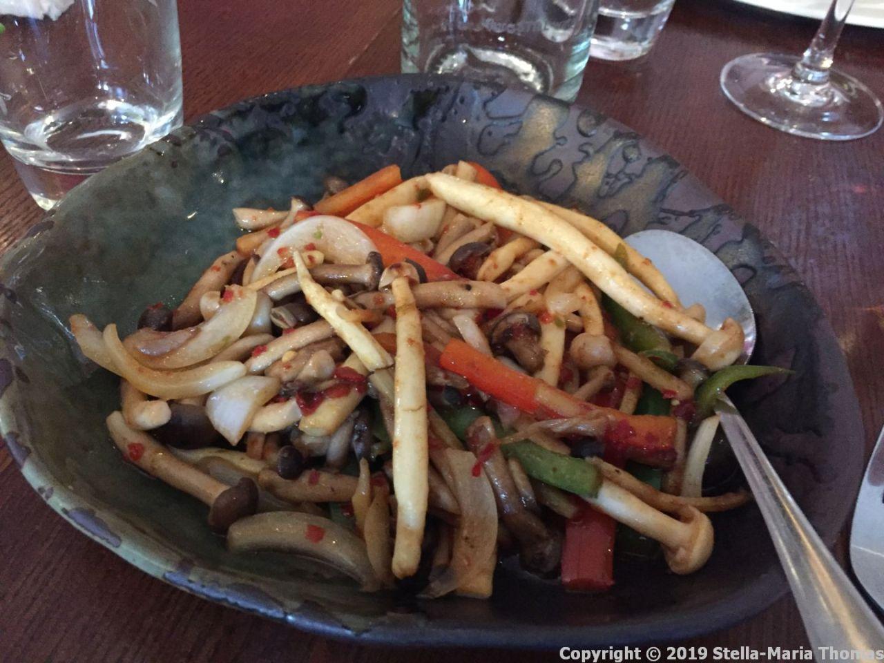 THE CHINESE CRICKET CLUB, SAUTEED CHILLI WILD MUSHROOMS 002