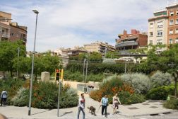 BARCELONA BUS TOUR (RED ROUTE) 137