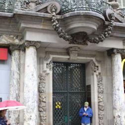 BARCELONA IN THE RAIN 012