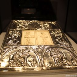 AACHEN CATHEDRAL TREASURY 022