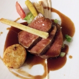 HOTEL KASTEEL BLOEMENDAL, SADDLE OF VEAL, CREAM OF CAULIFOWER AND MISO, GREEN HERB GNOCCHI, BALSAMIC VINEGAR SAUCE 012