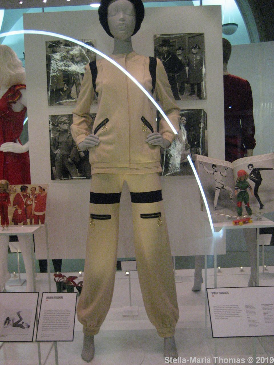 MARY QUANT EXHIBITION, V&A 072