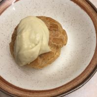 BANQUIST, THOMAS FRAKE, CHOUX PASTRY FILLED WITH EARL GREY CRÈME DIPLOMAT 038