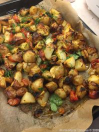 FALASTIN, BATATA BIL FILFIL (SPICY ROASTED NEW POTATOES WITH LEMON AND HERBS) 001