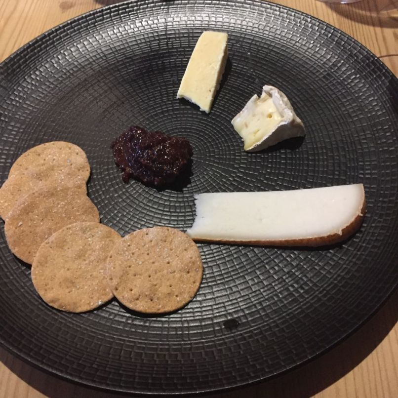 THE WHITE HORSE, JANUARY 2020, CHEESE, FIG CHUTNEY AND OAT BISCUITS 010